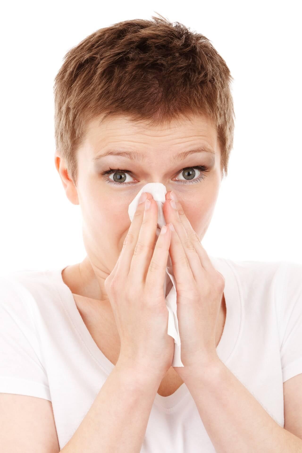 Η γρίπη δεν μεταδίδεται μόνο με φτάρνισμα ή βήχα