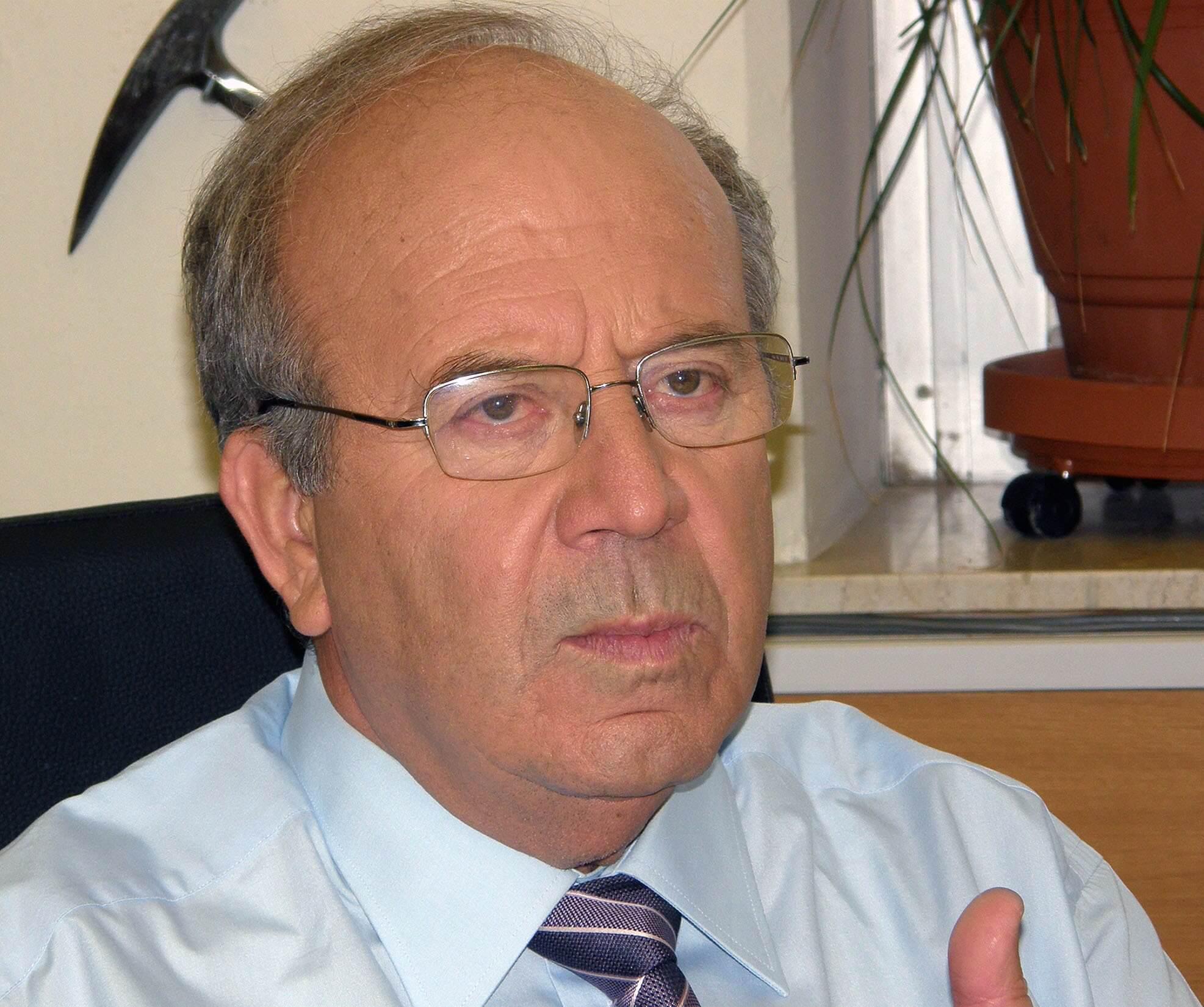 Μιχαήλ Δ. Δερμιτζάκης | Επίτιμος - Ομότιμος Καθηγητής Γεωλογίας και Παλαιοντολογίας | Τμήμα Γεωλογίας και Γεωπεριβάλλοντος ΕΚΠΑ